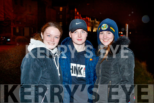 Erin Griffin,Simon Pierse and Lucy O'Carroll  pictured at the Mounthawk Family First Walk, at the Canal on Friday night last