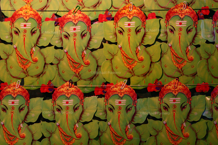 05.11.2007 Varanasi(Uttar Pradesh)<br /> <br /> Stickers of lord Ganesh.<br /> <br /> Autocollants du seigneur Ganesh.