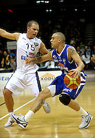 Giants guard Mick Fitchett marks Lindsay Tait. NBL - Wellington Saints v Nelson Giants at TSB Bank Arena, Wellington, New Zealand on Thursday, 19 May 2011. Photo: Dave Lintott / lintottphoto.co.nz