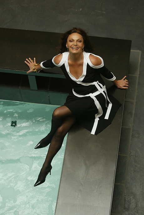 (cover select)...Fashion designer DIANE VON FURSTENBURG poolside in her West Village building.  She is wearing a black and white matte wrap jersey dress from her Spring 2004 collection...389 W. 12th St., NYC.  Newsday/ARI MINTZ  1/26/2004