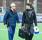 AMSTELVEEN - coach Rick Mathijssen (A'dam) met fysio Marc Jansen     tijdens de hoofdklasse competitiewedstrijd dames, Pinoke-Amsterdam (3-4). COPYRIGHT KOEN SUYK