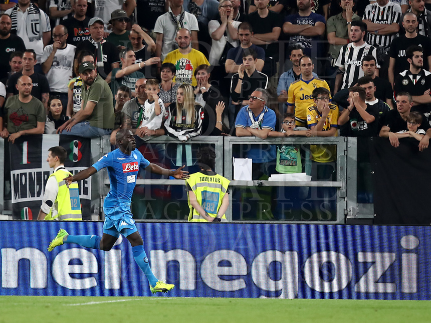 Calcio, Serie A: Juventus - Napoli, Torino, Allianz Stadium, 22 aprile, 2018.<br /> Napoli's Kalidou Koulibaly celebrates during the Italian Serie A football match between Juventus and Napoli at Torino's Allianz stadium, April 22, 2018.<br /> UPDATE IMAGES PRESS/Isabella Bonotto