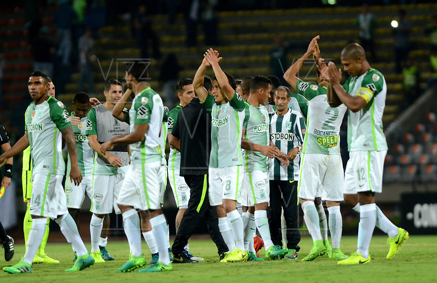 MEDELLIN  -  COLOMBIA: 02 - 05 - 2017: Los jugadores de Atletico Nacional, celebran la victoria sobre Estudiantes de la Plata, durante partido de la fase de grupos, grupo 1 fecha 4, entre Atletico Nacional y Estudiantes de la Plata de Argentina, por la Copa Conmebol Libertadores Bridgestone 2017, en el Estadio Atanasio Girardot, de la ciudad de Medellin./ The players of Atletico Nacional, celebrate the victory after beat Estudiantes de la Plata, during a match for the group stage, group 1 of the date 4, between Atletico Nacional of Colombia and Estudiantes de la Plata of Argentina, for the Conmebol Libertadores Bridgestone Cup 2017, at the Atanasio Girardot, Stadium, in Medellin city. Photos: VizzorImage / Leon Monsalve / Cont.