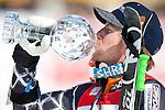 12.03.2010, Kandahar Strecke Herren, Garmisch Partenkirchen, GER, FIS Worldcup Alpin Ski, Garmisch, Men Giant Slalom, im Bild der Gewinner des Riesentorlaufweltcup 2009 2010 Ligety Ted, ( USA ), Ski Rossignol, mit der Kristallkugel, EXPA Pictures © 2010, PhotoCredit: EXPA/ J. Groder
