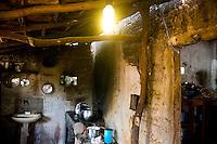 Jequitinhonha_MG, Brasil...Programa Luz Para Todos do Governo Federal em Jequitinhonha, Minas Gerais...Luz para Todos (Light for All) a Federal Government program of Brazil. In this photo Jequitinhonha, Minas Gerais...Foto: NIDIN SANCHES / NITRO