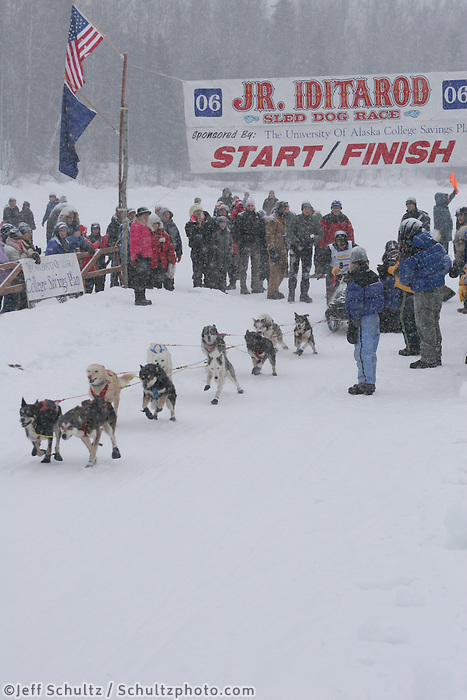 Saturday February 25, 2006 Willow, Alaska.   at the start day of the Junior Iditarod sled dog race.  Willow Lake.