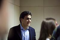 SAO PAULO, 31 AGOSTO 2012 - ELEICOES SP - GABRIEL CHALITA- SP - O candidato a prefeitura de Sao Paulo, Gabriel Chalita do PMDB durante entrevista a radio CBN na manha dessa sexta-feira(31) na regiao central da capital paulista. FOTO Ricardo Lou - BRAZIL PHOTO PRESS