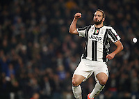 Calcio, Champions League: Gruppo H, Juventus vs Lione. Torino, Juventus Stadium, 2 novembre 2016. <br /> Juventus&rsquo; Gonzalo Higuain celebrates after scoring on a penalty kick during the Champions League Group H football match between Juventus and Lyon at Turin's Juventus Stadium, 2 November 2016. The game ended 1-1.<br /> UPDATE IMAGES PRESS/Isabella Bonotto