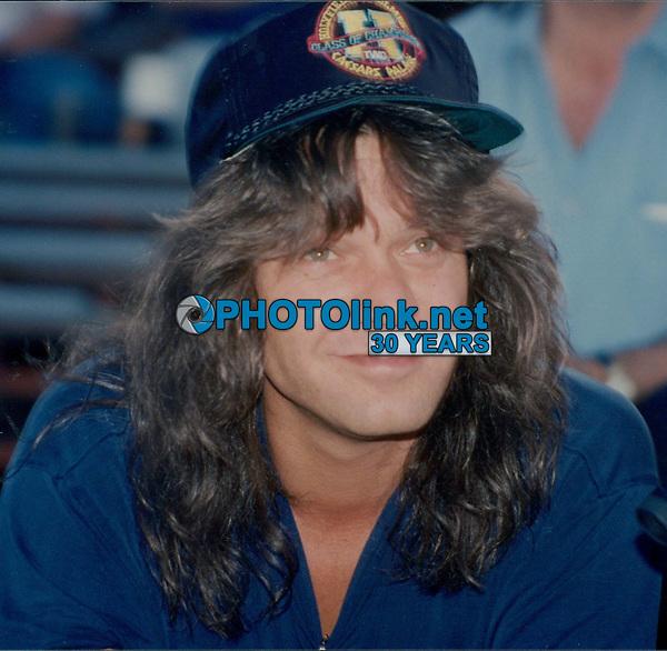 Eddie Van Halen & wife Valerie Bertinelli 1992<br /> Photo By John Barrett-PHOTOlink.net