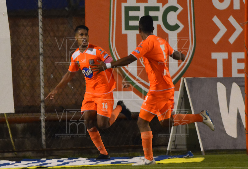 ENVIGADO- COLOMBIA, 08-10-2019.Jairo Palomino  jugador del Envigado celebra después de anotarun gol contra Jaguares de Córdoba durante partido por la fecha 16 de la Liga Águila II 2019 jugado en el estadio Polideportivo Sur de la ciudad de Medellín. /Jairo Palomino player of Envigado celebrates after scoring a goal agaisnt of Jaguares of Cordoba during the match for the date 16 of the Liga Aguila II 2019 played at Polideportivo Sur stadium in Medellin  city. Photo: VizzorImage / Leon Monsalve/ Contribuidor