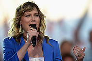 Washington, DC - May 24, 2014: Jennifer Nettles, lead vocalist for the international singing duo Sugarland, performs during a dress rehearsal for the National Memorial Day Concert at the U.S. Capitol May 24, 2014.  (Photo by Don Baxter/Media Images International)