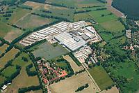 Fahrzeugwerk in Lübtheen: EUROPA, DEUTSCHLAND, MECKLENBURG- VORPOMMERN 08.06.2013 Brüggen übernahm 2004 in Lübtheen die ehemalige MV Lübtheen GmbH. Hier steht nach technischen Investitionen in zweistelliger Millionenhöhe das modernste Nutzfahrzeugwerk Europas. Es umfasst über 430.000 qm Fläche und eine überbaute Fläche von rund 52.000 qm. In Lübtheen fertigen über 900 Beschäftigte exklusiv für Krone jährlich durchschnittlich 8.000 - 9.000 aktiv und passiv gekühlte Einheiten. Brüggen produziert und liefert Kühlauflieger, Trockenfracht- und Frischdienstauflieger sowie Wechselkoffer in 40 Länder. Die wichtigsten Exportmärkte sind Spanien, Polen, Dänemark, die Niederlande und Italien.