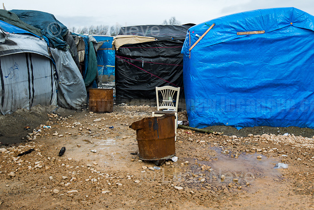 Luca: &lt;&lt;Do you want to go to England?&gt;&gt; <br />