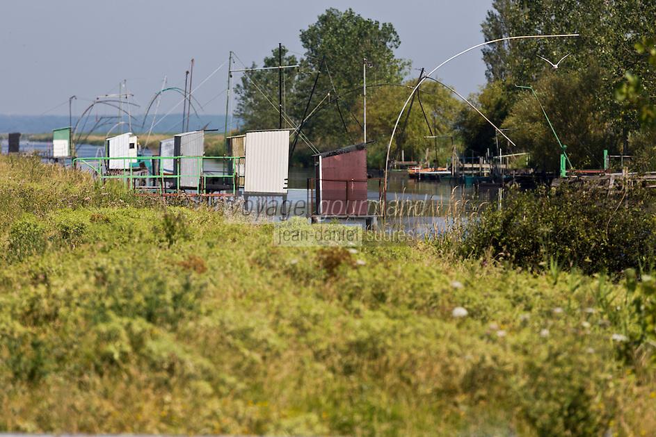 Europe/France/Pays de la Loire/44/Loire-Atlantique/Parc Naturel Régional de Brière/Trignac: La Brière - Carrelets au port du Pont de Paille