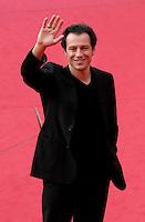 """Roma, 14/10/2006 L'attore Stefano Accorsi arriva all'Auditorium di Roma per il Festival Internazionale del Cinema durante la premiere del suo film """" La faute a Fidel"""".<br /> Foto Samantha Zucchi INSIDE (www.insidefoto.com)"""