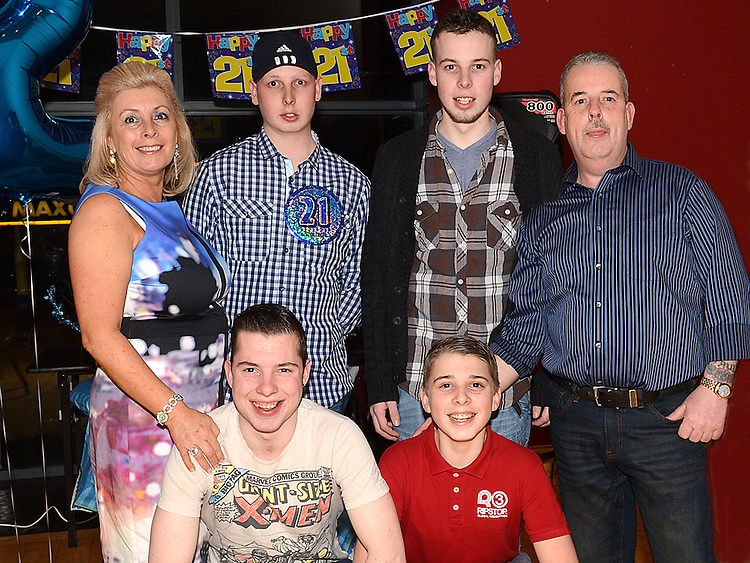 Darragh Maguire celebrating his 21st birthday in the Thatch with parents Paul and Ann and brothers Dean, Paul and Eoin. Photo:Colin Bell/pressphotos.ie