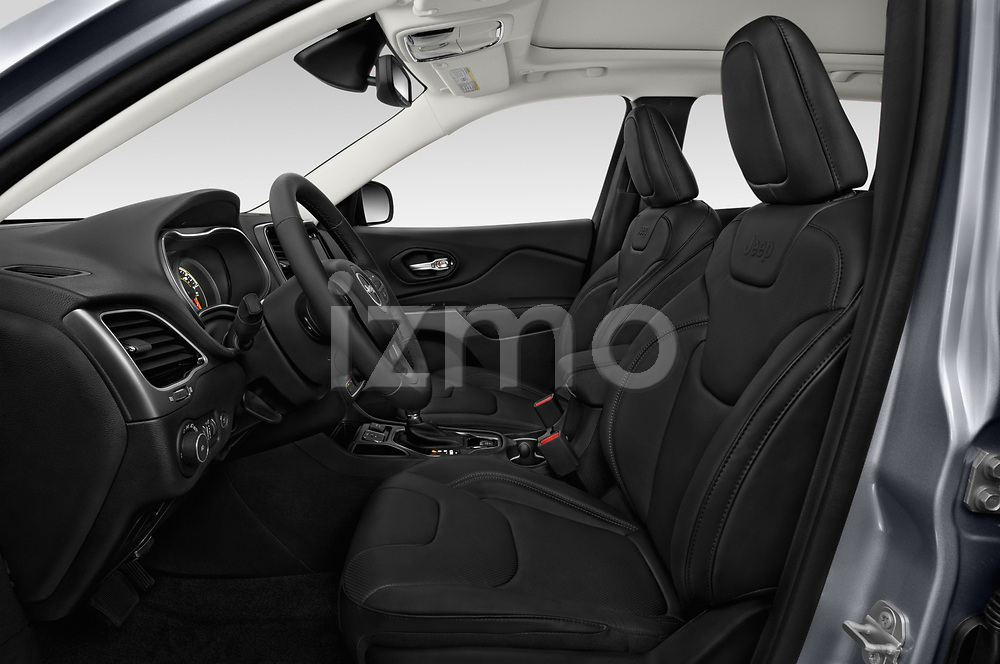 Front seat view of 2018 JEEP Cherokee Limited 5 Door SUV Front Seat  car photos
