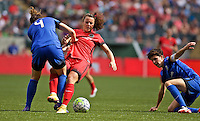 Portland, OR - Sunday, May 29, 2016: Portland Thorns FC forward Hayley Raso (21) and Seattle Reign FC defender Rachel Corsie (4) collide during a regular season National Women's Soccer League (NWSL) match at Providence Park.