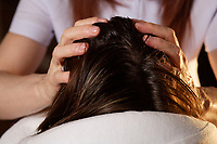 Montreal (Qc) Canada - august 52009 - hair scalp massage