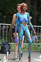 NYC Bodypainting Day unter dem Motto 'Humaity' im Washington Square Park. New York, 22.07.2017