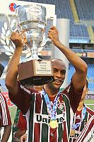 RIO DE JANEIRO, RJ, 26 DE FEVEREIRO 2012 - CAMPEONATO CARIOCA - FINAL - TACA GUANABARA - VASCO X FLUMINENSE - Leandro Euzébio, jogador do Fluminense, comemora o título, após vitória por 3x1 sobre o Vasco, pela final da Taca Guanabara, no estadio Engenhao, na cidade do Rio de Janeiro, neste domingo, 26. FOTO: BRUNO TURANO – BRAZIL PHOTO PRESS