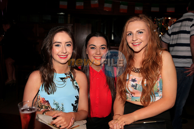 Eimear Corrigan, Grace Rodgers and Niamh Devlin enjoying a night out in Drogheda<br /> Picture: Fran Caffrey www.newsfile.ie