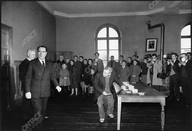 Presidential candidate François Mitterrand votes in his Château-Chinon constituency, France, December 5, 1965