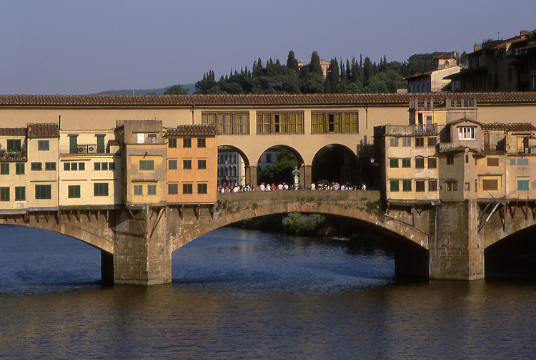 Europe, ITA, Italy, Tuscany, Florence, Ponte Vecchio over the Arno River, Typical view on to the historical bridge....[ For each utilisation of my images my General Terms and Conditions are mandatory. Usage only against use message and proof. Download of my General Terms and Conditions under http://www.image-box.com or ask for sending. A clearance before usage is necessary...Material is subject to royalties. Each utilisation of my images is subject to a fee in accordance to the present valid MFM-List...Contact | archive@image-box.com | www.image-box.com ]