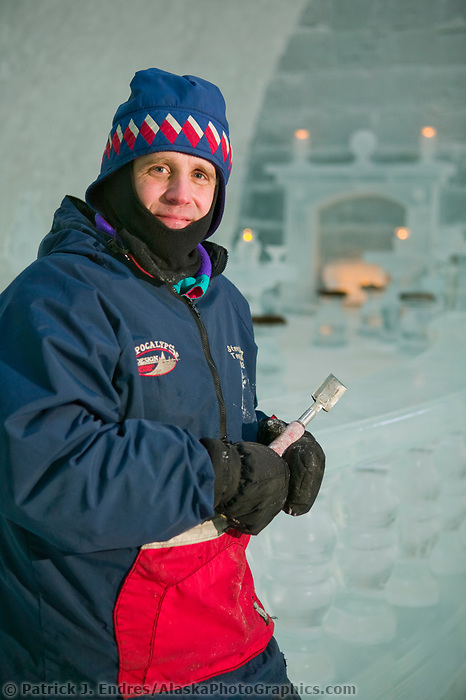 Aurora Ice Hotel, Chena Hot Springs, Alaska. World Ice Sculpting champion Steve Brice.