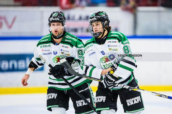 S&ouml;dert&auml;lje 2013-10-23 Ishockey Hockeyallsvenskan S&ouml;dert&auml;lje SK - R&ouml;gle BK :  <br /> R&ouml;gle 92 Michael Nylander och R&ouml;gle 88 William Nylander Altelius <br /> (Foto: Kenta J&ouml;nsson) Nyckelord:  portr&auml;tt portrait
