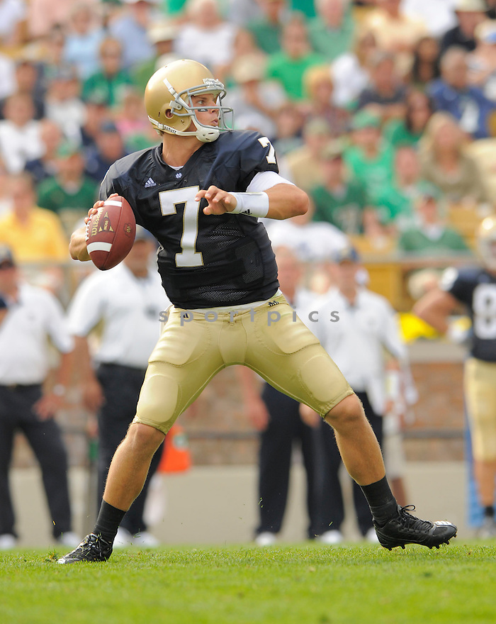 JIMMY CLAUSEN, of the University of Notre Dame Irish , in action during the Irish game against the University of Nevada Wolf Pack in South Bend, IN, on September 05, 2009.  Notre Dame  wins 35-0.