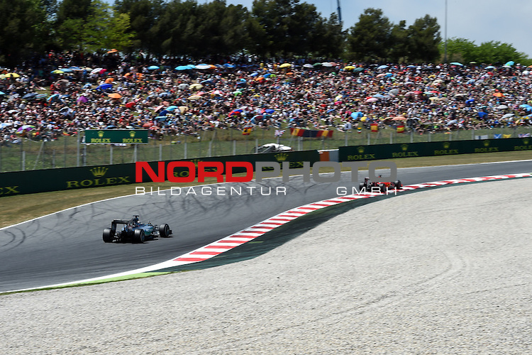 07.05 - 10.05.2015, Circuit de Catalunya, Barcelona, ESP, Formel 1, 2015,  im Bild Lewis Hamilton (GBR), Mercedes GP - Sebastian Vettel (GER), Scuderia Ferrari<br />  Foto &copy; nph / Mathis