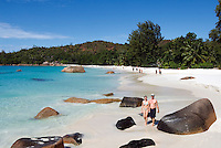 Seychelles, Island Praslin, Anse Lazio: Praslin's most beautiful beach - couple