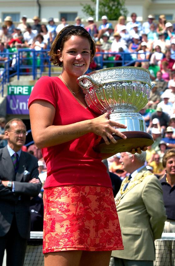 Photo. Rene Solari..23/6/01  .Eastbourne Day 6 - Finals.  Lindsay Davenport beats Magui Serna to win the trophy..