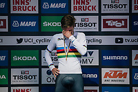 Remco Evenepoel (BEL) smashed the competition to become the new Junior TT World Champion<br /> 2nd: Lucas Plapp (AUS)<br /> 3rd: Andrea Piccolo (ITA)<br /> <br /> MEN JUNIOR INDIVIDUAL TIME TRIAL<br /> Hall-Wattens to Innsbruck: 27.8 km<br /> <br /> UCI 2018 Road World Championships<br /> Innsbruck - Tirol / Austria