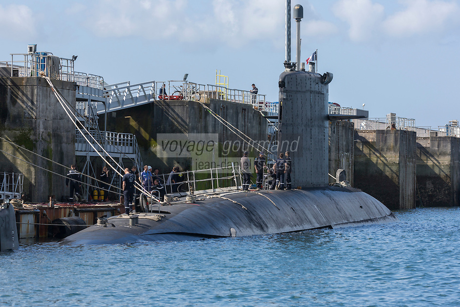 France, Bretagne, (29), Finistère, Brest:   Base Navale et Arsenal de Brest, la Rade - Sous-marin nucléaire d'attaque, Nuclear-powered attack submarine