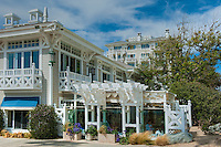 Shutters on the Beach Hotel, Santa Monica CA, beach; healthy lifestyle; Bikepath, walkable; pedestrian-friendly city;