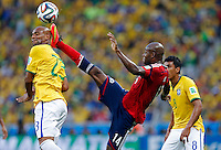 FORTALEZA - BRASIL -04-07-2014. Foto: Daniel Jayo / Archivolatino<br /> Victor Ibarbo (#14) jugador de Colombia (COL) disputa un balón con Maicon (#23) jugador de Brasil (BRA) durante partido de los cuartos de final por la Copa Mundial de la FIFA Brasil 2014 jugado en el estadio Castelao de Fortaleza./ Victor Ibarbo (#14) player of Colombia (COL) fights the ball with Maicon (#23)  player of Brazil (BRA) during the match of the Quarter Finals for the 2014 FIFA World Cup Brazil played at Castelao stadium in Fortaleza.. Photo:  Daniel Jayo / Archivo Latino<br /> VizzorImage PROVIDES THE ACCESS TO THIS PHOTOGRAPH ONLY AS A PRESS AND EDITORIAL SERVICE IN COLOMBIA AND NOT IS THE OWNER OF COPYRIGHT; ANOTHER USE IS REPONSABILITY OF THE END USER. NO SALES, NO MERCHANDASING. ALL COPYRIGHT IS ARCHIVOLATINO