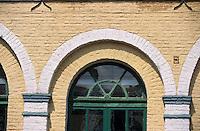 Europe/France/Nord-Pas-de-Calais/59/Nord/Env de Lille/Wambrechies: Détail des batiments de la distillerie Claeyssens datant de 1817 [eaux de vie de grain, pur malt et de genièvre]