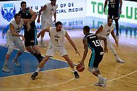 LEEUWARDEN - Basketbal, Donar - Estudiantes, Kalverdijkje, Champions League,  29-09-2017, Donar speler Drago Pasalic met Estudiantes  speler  Sylven Landesberg