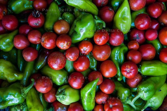 Fishtë (Albania) - Ristorante Mrizi i Zanave Frutta e verdura che vengono dai produttori di Altin Prenga