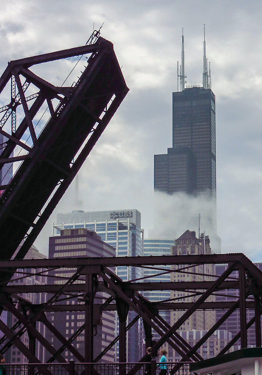 The Willis Tower (Sears Tower) seen through the morning fog from the Chicago River during the Chicago Architecture Foundation's river cruise. (DePaul University/Jamie Moncrief)