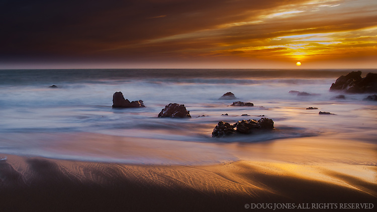 """Patience!  The marine layer had pretty much obsured the sun 20 minutes before this shot, flattening the light considerably.  Still hoping to """"work around the edges of light,"""" I resisted the urge to pack up and head home.  Thankfully."""