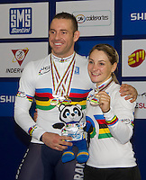 CALI - COLOMBIA - 02-03-2014: Francois Pervis de Francia y Kristina Vagel de Alemania, ganaron tres medallas de oro en el campeonato Mundial de Ciclismo en Pista en el Velodromo Alcides Nieto Patiño, sede del Campeonato Mundial UCI de Ciclismo Pista 2014. / Francois Pervis of France and Kristina Vagel of Germany won three gold medals in the World Track Championships in the Alcides Nieto Patiño Velodrome, home of the 2014 UCI Track Cycling World Championships. Photos: VizzorImage / Luis Ramirez / Staff.