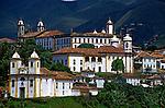Igrejas na cidade histórica de Ouro Preto. Minas Gerais. 1996. Foto de Daniel Augusto Jr.
