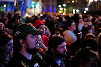 BUENOS AIRES, ARGENTINA, 25 MAIO 2013 - 203 ANOS ANIVERSARIO REVOLUCAO DE MAIO - .Milhares de argentinos se reúnem para comemorar o 203 º aniversário da Revolução de Maio e a 10 anos dos Kirchners no poder, com a presença da presidente Cristina Fernandez de Kirchner. Na Praça da Mayo em Buenos Aires capital da Argentina na noite deste sábado, 25. (FOTO: PATRICIO MURPHY / BRAZIL PHOTO PRESS).