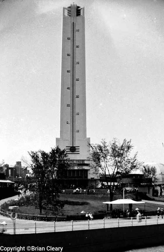 Giant Havoline Motor Oil Thermometer at the 1933 Chicago World's Fair.ONE HALF OF STEREO PAIR (Photographer Unknown/www.bcpix.com)