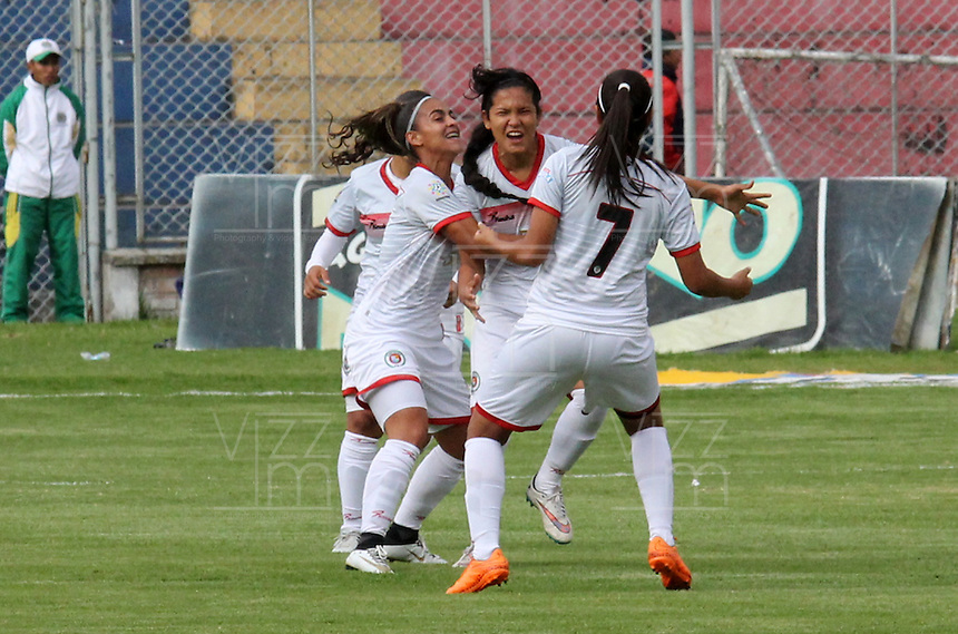 PASTO -COLOMBIA, 17-02-2017. Marcy Cogollos de Cortulua celebra su gol contra el Pasto y el primero de la liga profesional  Femenina Aguila. Acción de juego entre el  Deportivo Pasto contra Cortuluá ,  encuentro  por la fecha 1 de la Liga Femenina Aguila I 2017  disputado en el estadio La Libertad ./ Marcy Cogollos of celebrates his gol agaisnt of Pasto.  Action game between   Deportivo Pasto and Cortula during match for the date 1 of the Women's Soccer League Aguila I 2017 played at La Libertad  stadium . Photo:VizzorImage / Leonardo Castro / Contribuidor