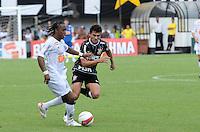 SAO PAULO, SP, 05 MARÇO DE 2012 - CAMP. PAULISTA - SANOTOS X CORINTHIANS -Arouca do Santos durante partida entre Santos x Corinthians na Vila Belmiro.. (FOTO: ADRIANO LIMA - BRAZIL PHOTO PRESS)