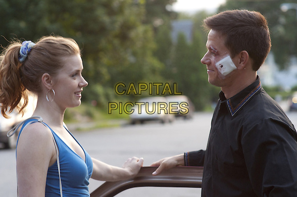 AMY ADAMS & MARK WAHLBERG.in The Fighter.*Filmstill - Editorial Use Only*.CAP/FB.Supplied by Capital Pictures.